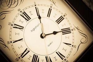 800px-Antique_Clock_Face