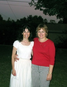Cynthy & Sheryl in the Koncsol's old backyard on Maryhurst 7-04